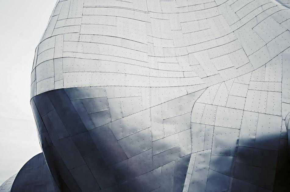 Distribuidor de maquinaria de corte y plegado de acero inoxidable y acero al carbono